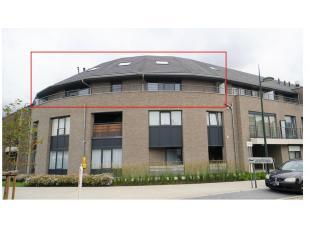 Ontdek dit nieuwbouw duplex appartement in Evergem, zeer aangenaam en praktisch gelegen op wandelafstand van een bakkerij en beenhouwer en op 2 minute