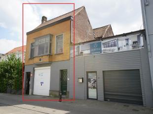 TOPPER in het centrum van de studentenbuurt Gent!<br /> Garage/magazijn & appartement (157m³).<br /> Interessant investeringsproject, zeer gu