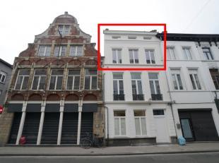 Prachtig duplex appartement in (ver)nieuwbouw project in het historisch centrum van Gent met 2 slaapkamers.<br /> <br /> Deze unieke parel is gelegen