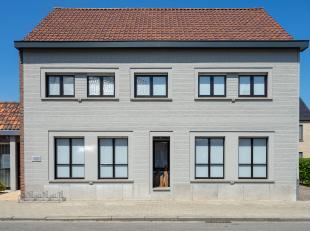 Ben je op zoek naar een zeer ruime woning met garage en een praktijkruimte? <br /> Dan is dit mooie pand zeer geschikt voor je! <br /> Met zijn 4 slaa