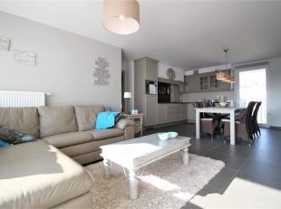 Prachtig gezellig appartement gelegen te Blankenberge !<br /> <br /> Deze woning beschikt over : <br /> <br /> * Zeer lichtrijke leefruimte<br /> * Vo
