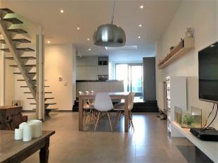 Gezellige instapklare woning te koop te Kuurne!<br /> <br /> Deze woning omvat:<br /> - Open leefruimte met veel lichtinval<br /> - Geïnstalleerd