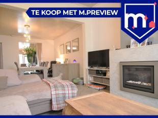 Zeer goed gelegen woning te Kuurne !<br /> <br /> Verassend veel ruimte met voorplaats met gezellige gashaard, zittafel en ruime keuken met aansluiten
