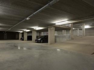 Beveiligde ondergrondse parkeerplaatsen te koop te Brugge-Centrum, Gentpoortkwartier. Contacteer Albert-Vastgoed, www.albert-vastgoed.be, bernard@albe