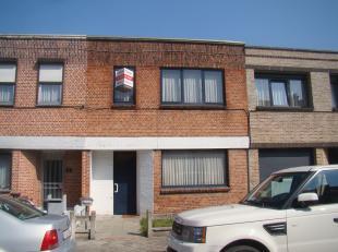 Woning met garage en tuin in een rustige woonwijk van Lokeren. Bent u op zoek naar een woning met 3 slaapkamers in Lokeren? Dan is dit de ideale wonin
