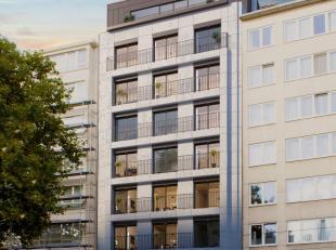 NIEUWBOUW STUDIO gelegen op de 3de verdieping in hartje Antwerpen, nabij het CENTRUM en invalswegen. Het omvat: inkom, apart toilet, leefruimte met vo