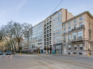 Hier bevindt zich een riante duplex opgetrokken uit hoogwaardige materialen met bijhorend enorme terrassen. (CASCO)<br /> Deze NIEUWBOUW duplex heeft