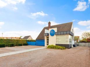 Deze gezellige en goed onderhouden woning is gelegen in Jabbeke, makkelijk en vlot bereikbaar en heeft een eigen ruime parking. Alle diensten en facil