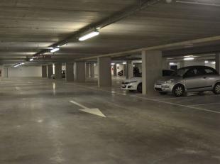 Ondergrondse staanplaats te koop.+ Centrale ligging in project De Munt.+ Afgesloten met slagboom.Mogelijkheid tot bijkopen berging.22.000euro ex koste