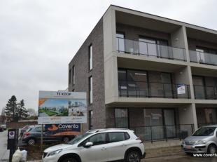 Modern appartement met zonnigterras te Roeselare.<br /> Appartement bestaande uit: inkomhal met toilet, ingerichte badkamer met douche, 2 slaapkamers,