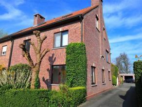 Zeer ruime woning, te gebruiken als kangoeroewoning of als gemengd gebruik. Gebouwd onder 1 dak maar toch gescheiden, maakt van deze halfopen bebouwin