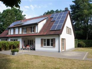 Gerenoveerde halfopen bebouwing met 5 slaapkamers op 6.426 m². <br /> Zonnepanelen (1.500/jaar gedurende nog 12 jaar) <br /> Op het gelijkvloers