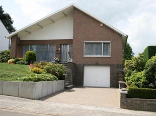 Op zoek naar een ruime open bebouwing? Deze woning woning omvat 3 slaapkamers, een grote leefruimte, garage, veranda met automatische zonnewering, rui