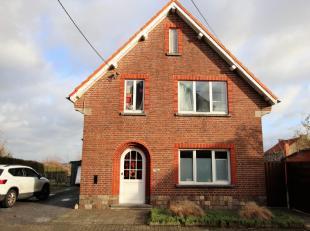 Deze woning is gelegen nabij de dorpskern van Wommersom, een landelijke gemeente ten westen van de stad Tienen. Mits de nodige opfriswerken kan deze k