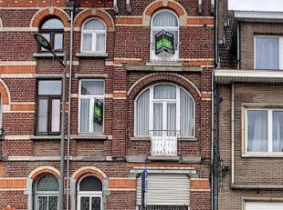 Op zoek naar een woning op een centrale ligging? Dan is dit jouw uitgelezen kans.Op een kilometer van de ring van Leuven bevindt zich dit herenhuis. D