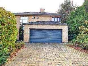 Deze ruime villa is gelegen in de zeer kindvriendelijke en rustige wijk, de vier vaantjes te Leuven.Zowel verschillende supermarkten, scholen en het c