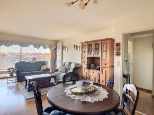 """Dit appartement is te vinden op de vijfde verdieping van residentie """"Beatrijs"""" te Tienen. Het appartement beschikt over een woonkamer, keuken, twee sl"""