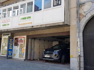 Immeuble appartement dÃÂservis par un ascenceur, deux entrÃÂes sÃÂparÃÂs, vitrage spÃ&Acirc
