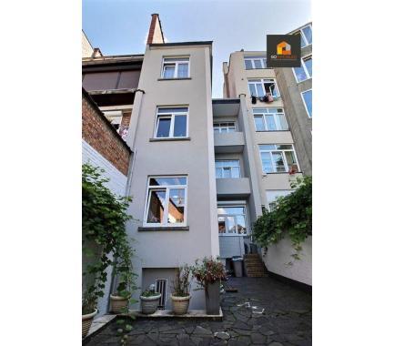Bureaux avec habitation à vendre à Schaerbeek, € 675.000