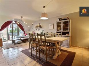Go Immobilier vous propose ce spacieux duplex 2 chambres en plein centre de Gembloux, proche de la gare et des commerces. Celui-ci vous séduira