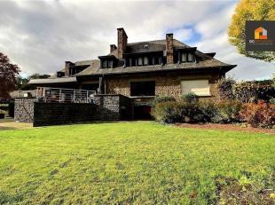 A Anseremme, en bordure de Lesse, avec accès direct par le jardin, Go immobilier vous propose cette magnifique maison en pierre. Elle se compos