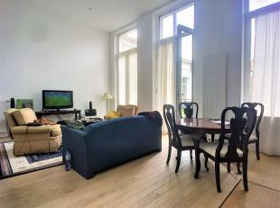 Ideally situated between the European district and the door of namur, this vast and bright apartment a quiet room(chamber) and a serenity in the middl