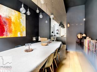 CHASSE - District of the fiftieth anniversary.<br /> This magnificent duplex completely reconstructed tastefully in 2013 offers big living spaces in a