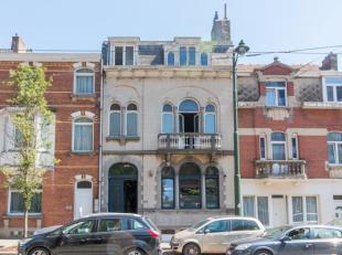 AVENUE HELENE ////<br /> Potaardewijk, op de Gentse Steenweg, aangename op te frissen woning van 350 m². Het huis bestaat momenteel op de gelijkv