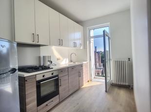 Nog geen nederlandstalige versie beschikbaarJOSEPHINE CHARLOTTE - PAS DE CHARGES<br /> Lumineux appartement entièrement rénové de