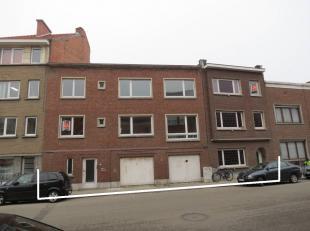 Deze 2 aansluitende woningen zijn enkel samen te koop; niet apart.<br /> <br /> Het betreft 2 éénsgezinswoningen op samen 2,26 are en me