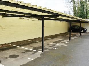 Deze overdekte staanplaatsen zijn strategisch zeer goed gelegen aan de rand van Leuven-centrum en in de onmiddellijke nabijheid van Gasthuisberg. Staa