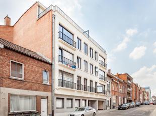 Deze overdekte staanplaatsen zijn strategisch heel goed gelegen aan de rand van Leuven-centrum en in de onmiddellijke nabijheid van Gasthuisberg. * St