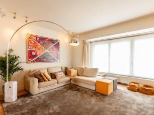 Deze stijlvolle bel-etage woning is voorzien van een hoge afwerkingsgraad, een speelse indeling en een fijn uitzicht over eigen tuin (6,5 are). De gel