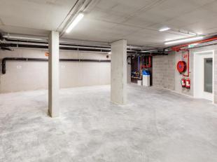 Deze staanplaats (P9) is gelegen op de -1 in een stijlvolle nieuwbouwresidentie die gebouwd werd in 2018. In enkele minuten bent u op de ring van Leuv