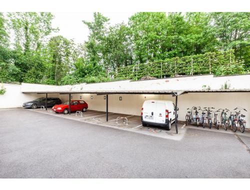 Place de stationnement à louer à Leuven, € 80