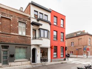 Dit pand, gelegen op een topligging binnen de ring van Leuven, herbergt 5 prachtige kamers met eigen sanitair en een gemeenschappelijke keuken alsook