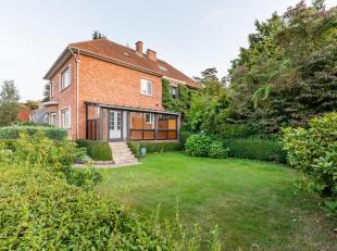 Deze klassieke half open bebouwing bevindt zich op een prachtige locatie te Heverlee. De goed georiënteerde tuin in combinatie met de residenti&e