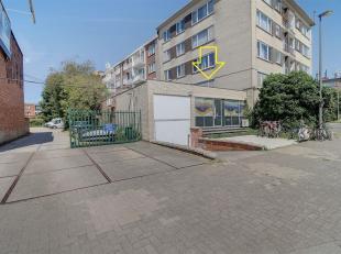 Ideaal centraal gelegen handelsgelijkvloers/ kantoorgebouw op de hoek van de Prins Boudewijnlaan en de R11!<br /> Nabij centrum Mortsel, Wilrijk De Bi