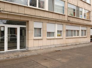 Op wandelafstand van hartje Leuven kunt u dit instapklaar gelijkvloers appartement terugvinden. Dit appartement is als volgt ingedeeld: inkomhall met