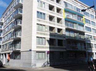 Dit appartement met 3 slaapkamers, nabij het gerechtsgebouw in het centrum van Leuven, werd in 2017 volledig gerenoveerd, waardoor het u zeker zal bek