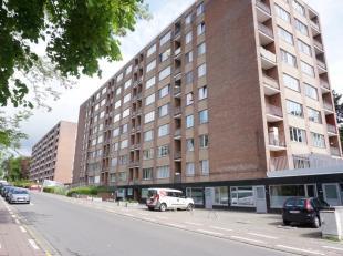 Op korte afstand van UZ Leuven, Imec en het centrum van Leuven, treft u dit op te frissen appartement gelegen op de 6e verdieping bestaande uit een in