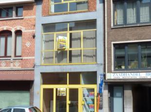Nabij het centrum van Kessel-Lo en het station van Leuven treft u deze, volledig verhuurde opbrengsteigendom bestaande uit:<br /> - op het gelijkvloer