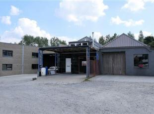 Deze loods beschikt over een oppervlakte van 330 m² en is gemakkelijk bereikbaar via  de Edingsesteenweg.