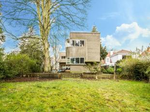 """Een absolute parel, een originele modernistische villa van de hand van architect Eduard Van Steenbergen.Deze modernistische L-vormige """"Villa Peirsman"""""""