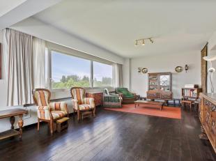 Op zoek naar een drieslaapkamer appartement met een schitterend zicht over de Schelde en de Stad Antwerpen? Aarzel niet langer, wij hebben perfect wat