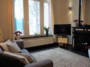 Charmant appartement in een oud herenhuis met 1 slaapkamer en mezzanine op het hippe Antwerpse Zuid.<br /> U komt het appartement binnen in de woonkam