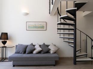 Karaktervol, gerenoveerd duplex appartement in het stadscentrum.<br /> Dit appartement situeert zich in een aantrekkelijk, geklasseerd gebouw op wande
