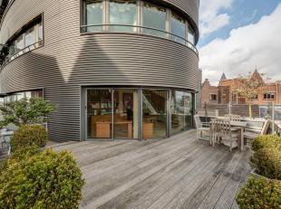 VERKOOP ONDER AANDELEN - Uniek appartement met een uitzonderlijk Scheldezicht.<br /> Residentie T Steen staat bekend als een van de markantste gebouwe