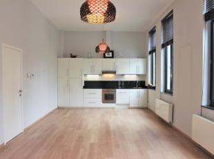 Gerenoveerd appartement op het hippe Zuid<br /> Het pand situeert zich op het Zuid, waar u toegang heeft tot alle faciliteiten (winkels, gezellige ple