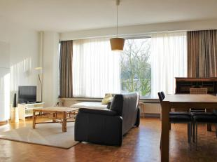 Gemeubeld appartement met 3 slaapkamers in Antwerpen.<br /> Dit appartement situeert zich op een gunstige locatie in de nabijheid van winkels, restaur